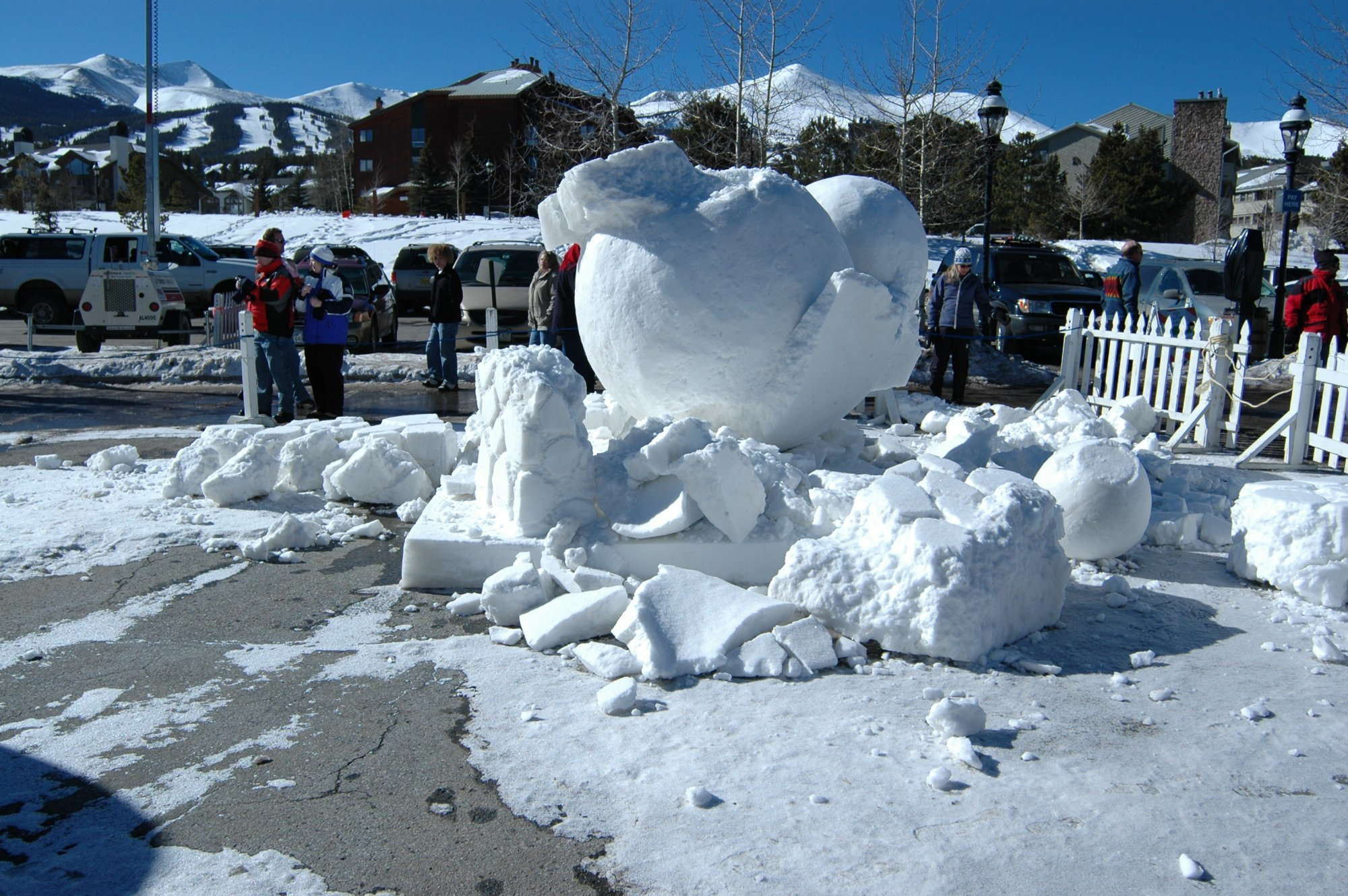 snow sculpture collapse