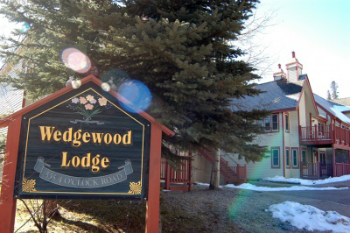 wedgewood lodge condos